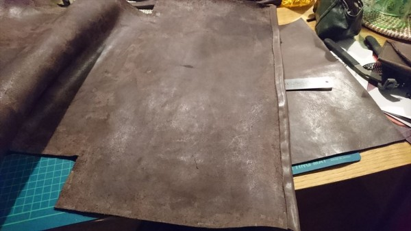 レザークラフト初心者のトートバッグ製作過程_手縫い3