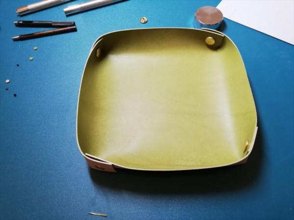 レザークラフト無料ダウンロード型紙革のトレーの作り方-11