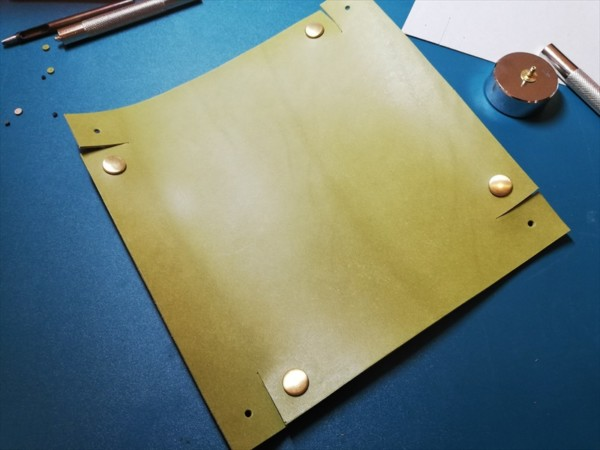 レザークラフト無料ダウンロード型紙革のトレーの作り方-7