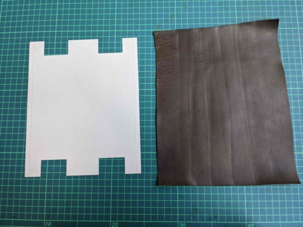 レザークラフト初心者が作る簡単型紙のファスナーペンケースの作り方 (1)_R