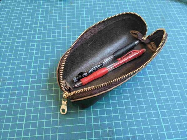 [レザークラフト]A4サイズの革で作るペンケースの作り方 12