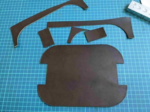 [レザークラフト]A4サイズの革で作るペンケースの作り方 4
