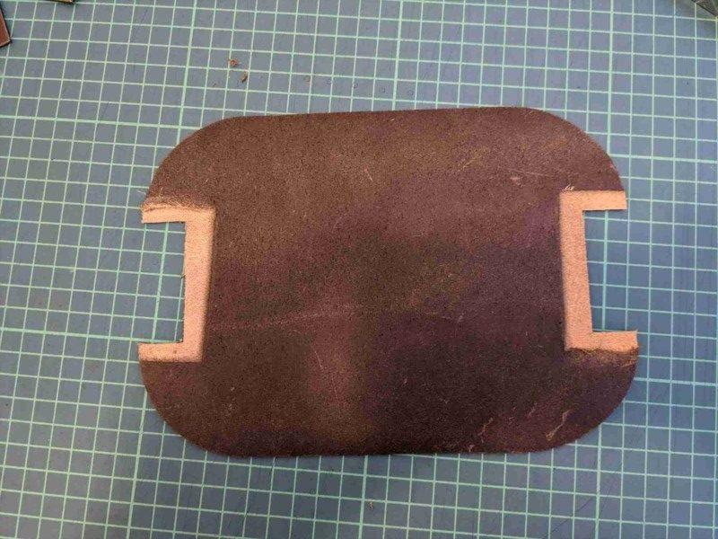 [レザークラフト]A4サイズの革で作るペンケースの作り方 5