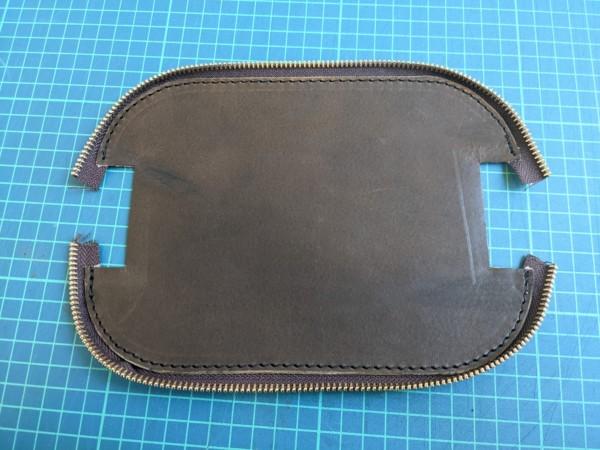 [レザークラフト]A4サイズの革で作るペンケースの作り方 7