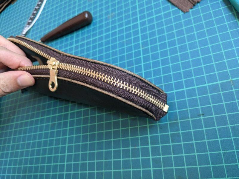 [レザークラフト]A4サイズの革で作るペンケースの作り方 8